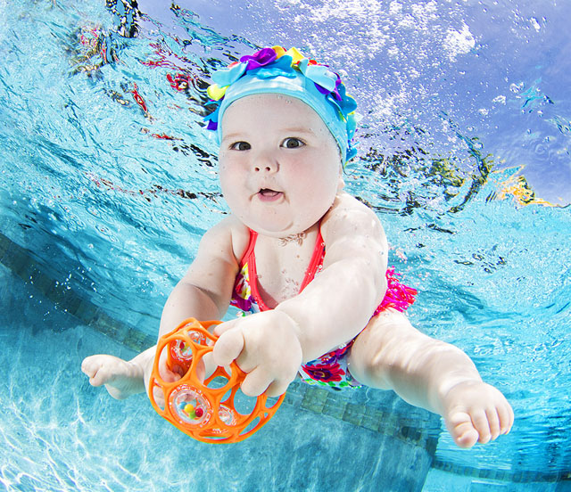 Підводна фотосесія малюків