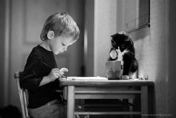 adorable-kids-with-their-cats-20-photos-1