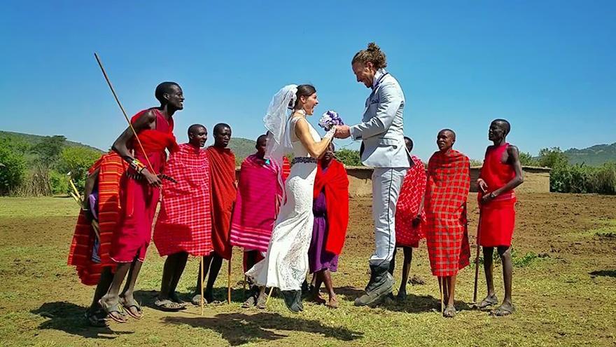 couple-wedding-around-the-world-travel-cheetah-rhiann-10