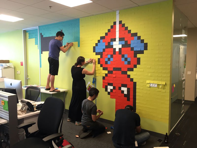 employee-uses-post-its-to-turn-drab-office-walls-into-giant-superhero-murals-11