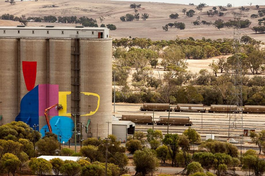 western-australia-grain-silos-get-a-face-lift-8-hq-photos-6