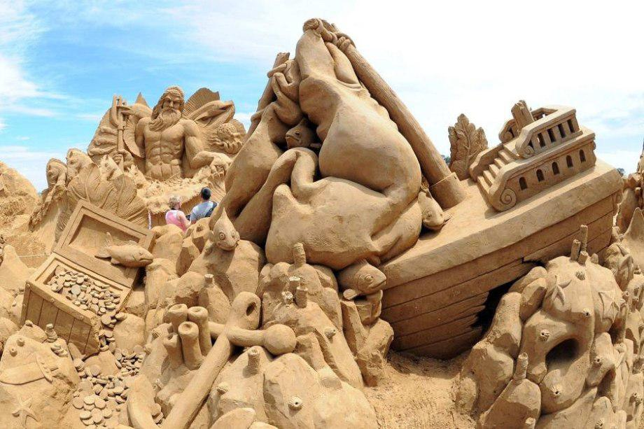 sand-sculpting-australia-new-2