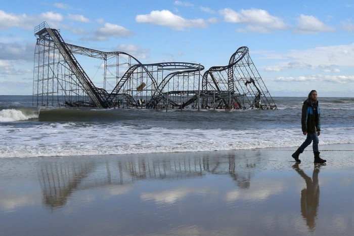 a_roller_coaster_in_Seaside_Heights_New_jersey_becomes_submerged_after_Hurricane_Sandy_destroys_the_pier_it_sat_on-700x466