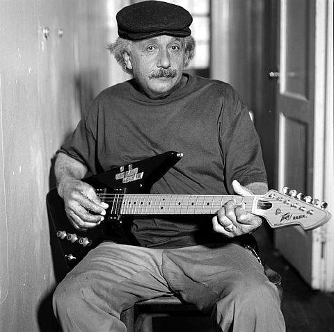 albert_einstein_with_guitar