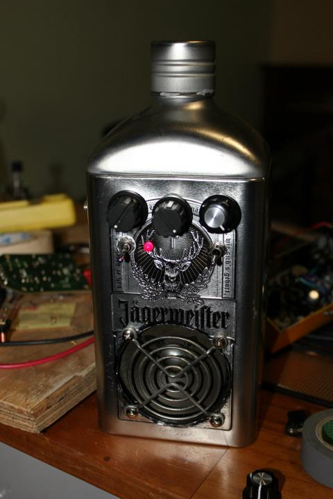 diy_jaggermeister_tin_amplifier