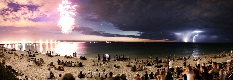 fireworks_a_comet_and_a_lightning_strike_all_in_one_frame