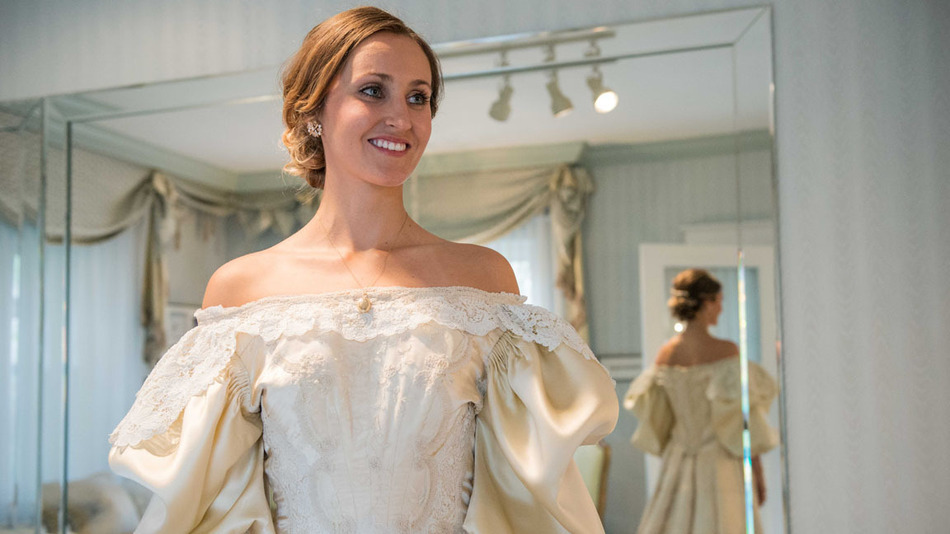 LEHIGH VALLEY NATIVE TO BE 11TH BRIDE TO WEAR DRESS