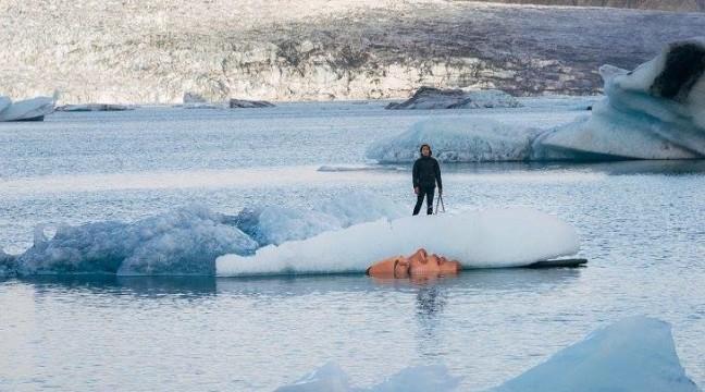 Портрет на айсбергу, який має привернути увагу до глобального потепління
