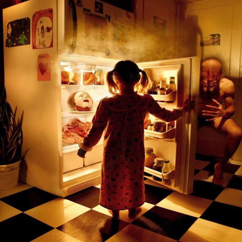 dad-creates-the-most-haunting-horror-photos-with-his-daughters-as-the-stars10-830x830