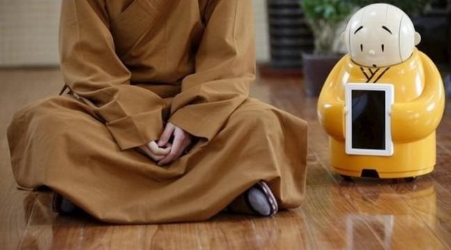 У буддистському храмі з'явився робот-монах
