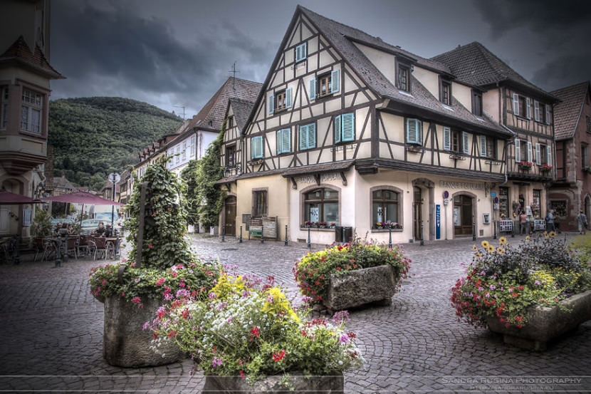 i-visited-the-little-villages-of-alsace-that-look-straight-from-a-fairy-tale-12__880-830x553