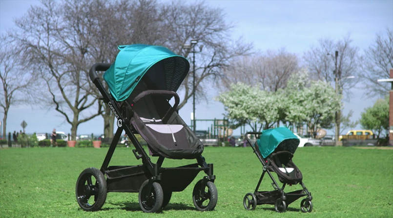 parents-can-test-drive-baby-strollers-by-riding-this-giant-version4-805x448