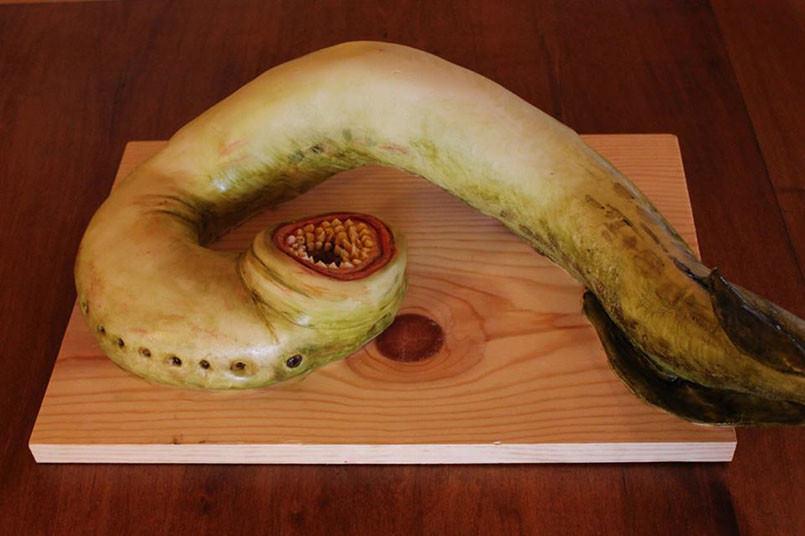 dey-lamprey-cake-805x536