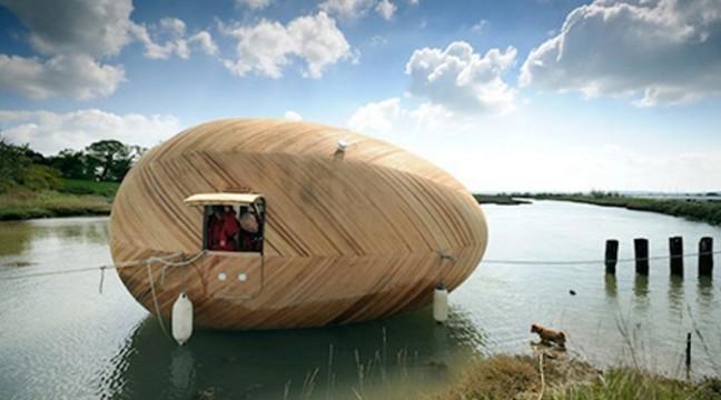 Плаваючий дім-яйце