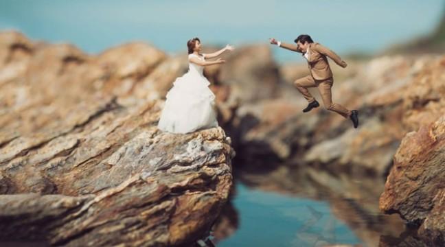 Кохання Маленьких у світі Великих. Незвичні роботи весільного фотографа