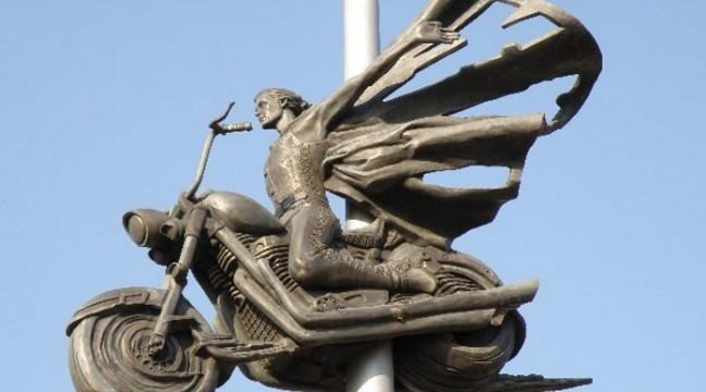 10 незвичних пам'ятників, встановлених в Україні