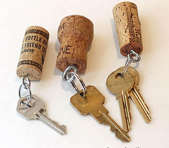 16549915-Cork-keychains-1469127649-650-78a235ddba-1471593647
