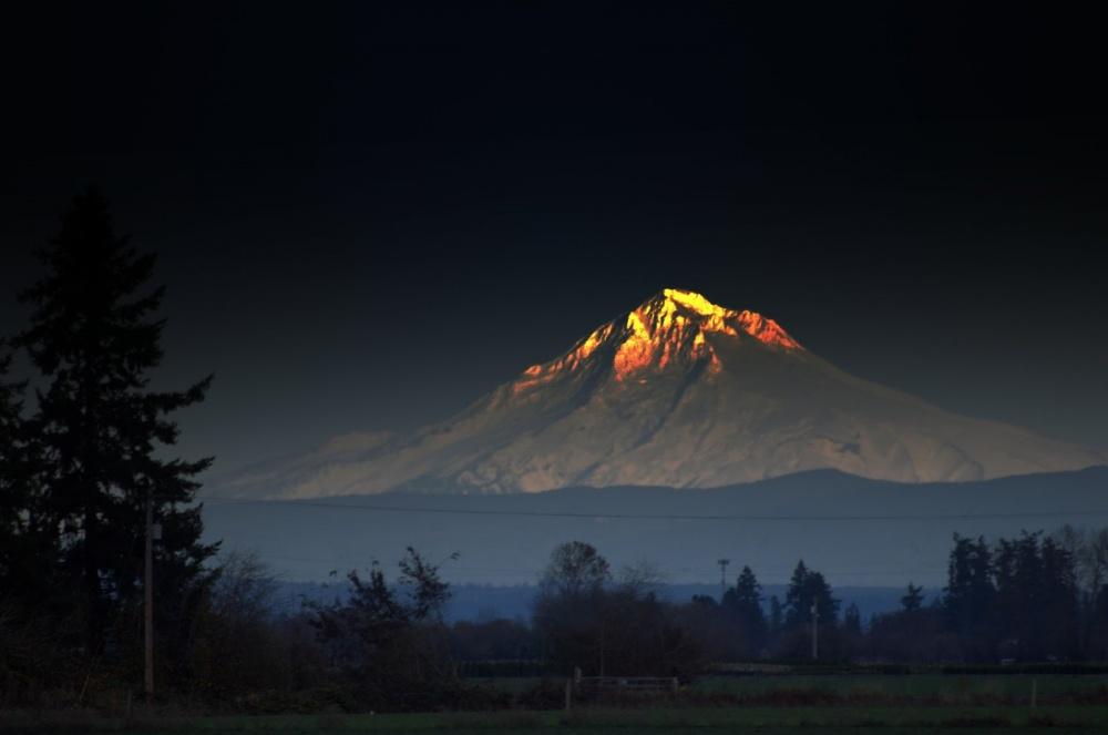 16841065-MountHoodOregonStratovolcanonearhomeJimPankey-1472196303-1000-52f8b025d1-1472556010