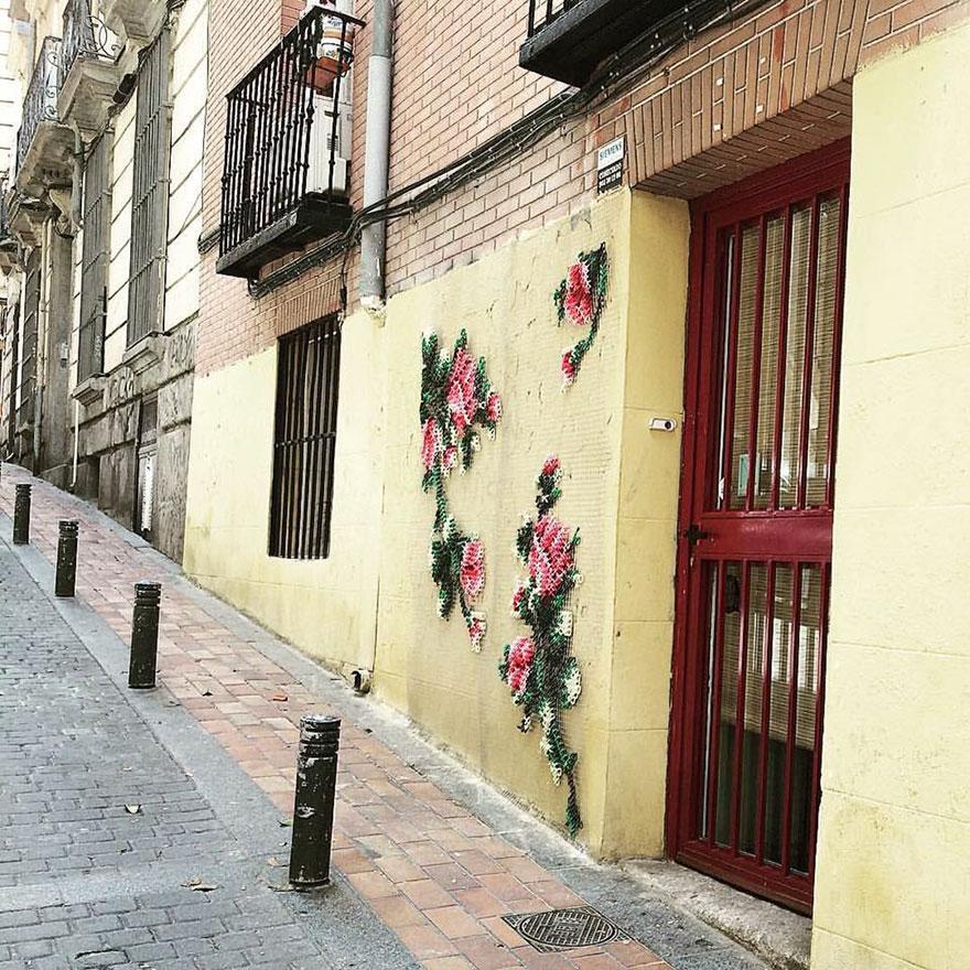 floral-cross-stitch-street-installations-raquel-rodrigo-8