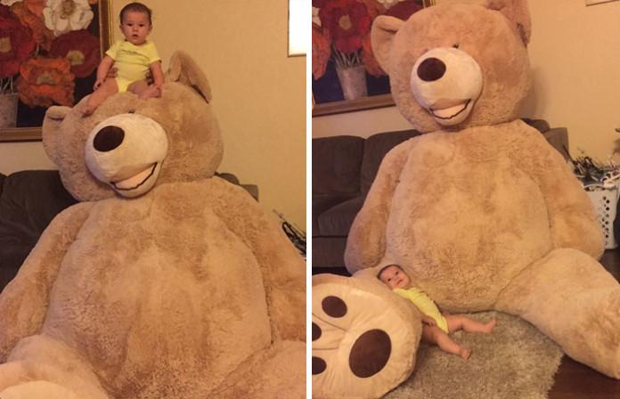 Дивіться, якого величезного ведмедя дід купив своїй внучці