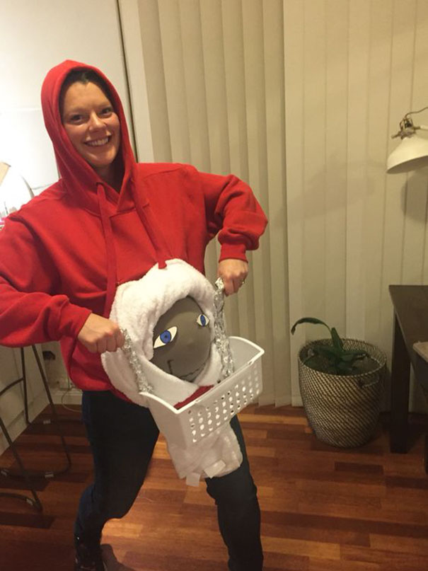 pregnancy-halloween-costume-ideas-51-57ff88838406a__605