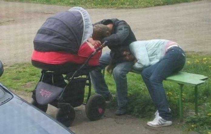 10 веселих фотографій, які добре зрозуміють ті, хто няньчив немовлят