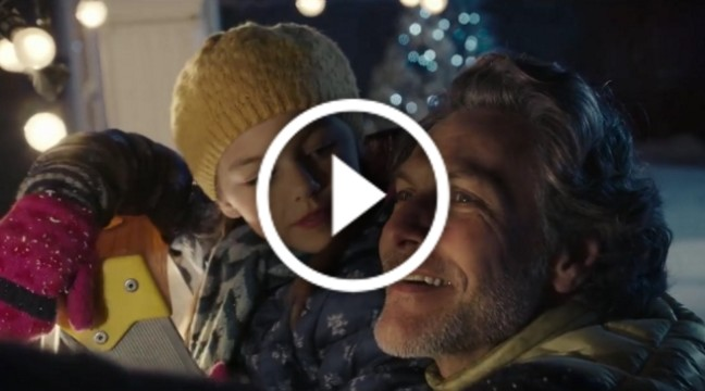 Різдвяний ролик, присвячений відносинам у сім'ї