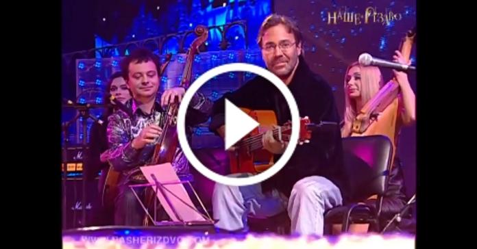"""Всесвітньовідомий гітарист Ел Ді Меола спільно з українським бандуристом виконали """"Щедрик"""""""