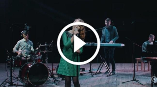 Чудове виконання пісні Carol of the bells від рівненських музикантів Traveling the World band