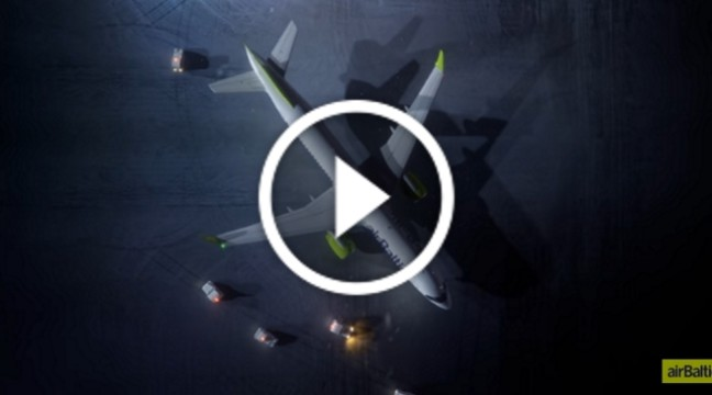 Латвійська авіакомпанія зняла оригінальне привітання з Новим роком