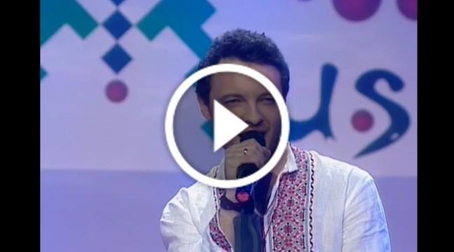 """Українська народна пісня """"Ніч яка місячна"""" у виконанні француза"""