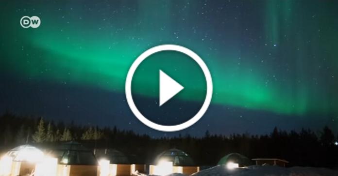 У казкових готелях Фінляндії можна споглядати полярне сяйво, не виходячи з номера