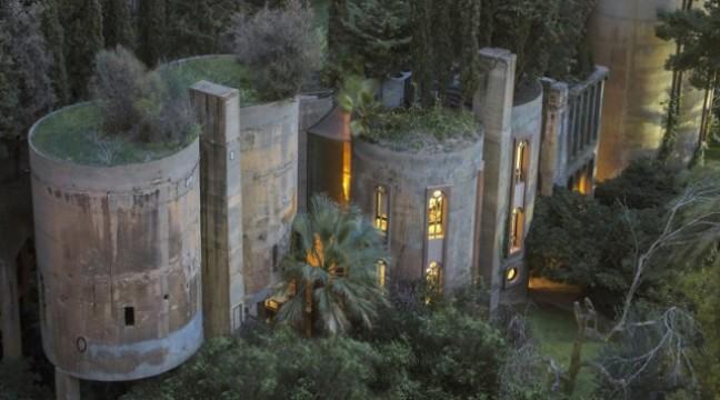Архітектор перетворив закинутий цементний завод у крутий сучасний дім