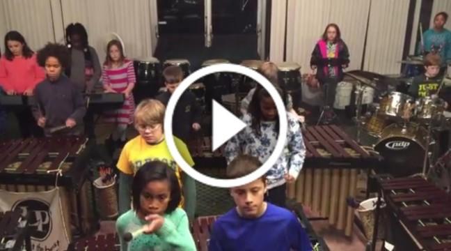 """Діти зіграли відому пісню Лед Зеппелін """"Кashmir"""". Просто вау!"""