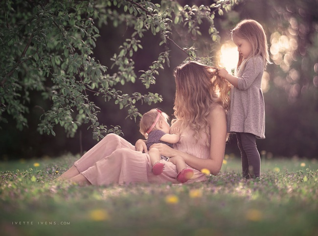 331955-motherhood-photography-breastfeeding-godesses-ivette-ivens-8-650-a542d8629a-1484634160