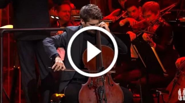 """Головний саундтрек з фільму """"Гладіатор"""" на віолончелях. Це божественно!"""