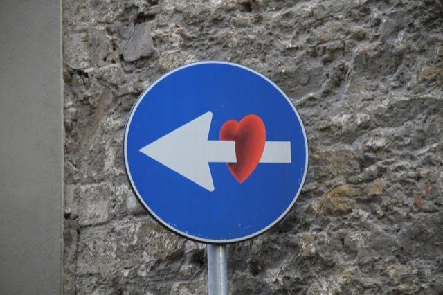 Street-Art-detournement-Panneaux-de-signalisation-6