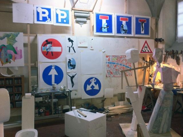 Street-Art-detournement-Panneaux-de-signalisation-8