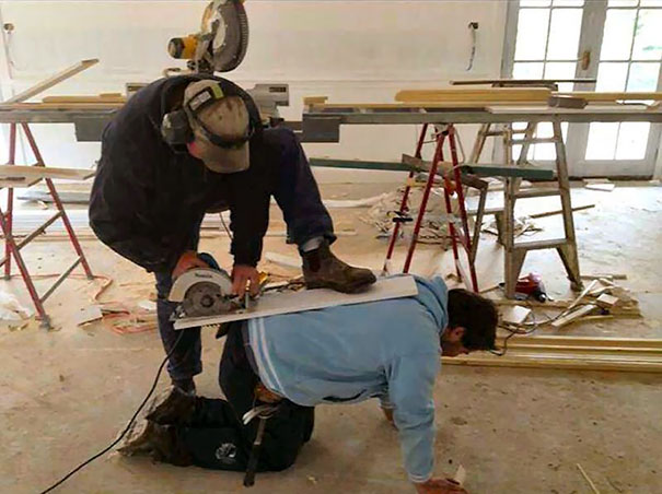 workplace-safety-fails-men-accident-waiting-to-happen-33-58d118c9d982b__605
