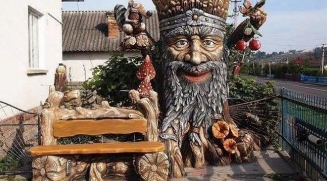 Чоловік з Тернопільщини перетворив своє подвір'я у справжню казку