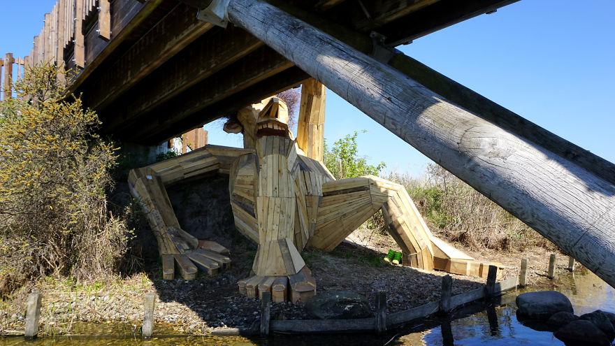 I-am-creating-hidden-giants-in-the-beautiful-wilderness-of-Copenhagen-5902f2d37187c__880
