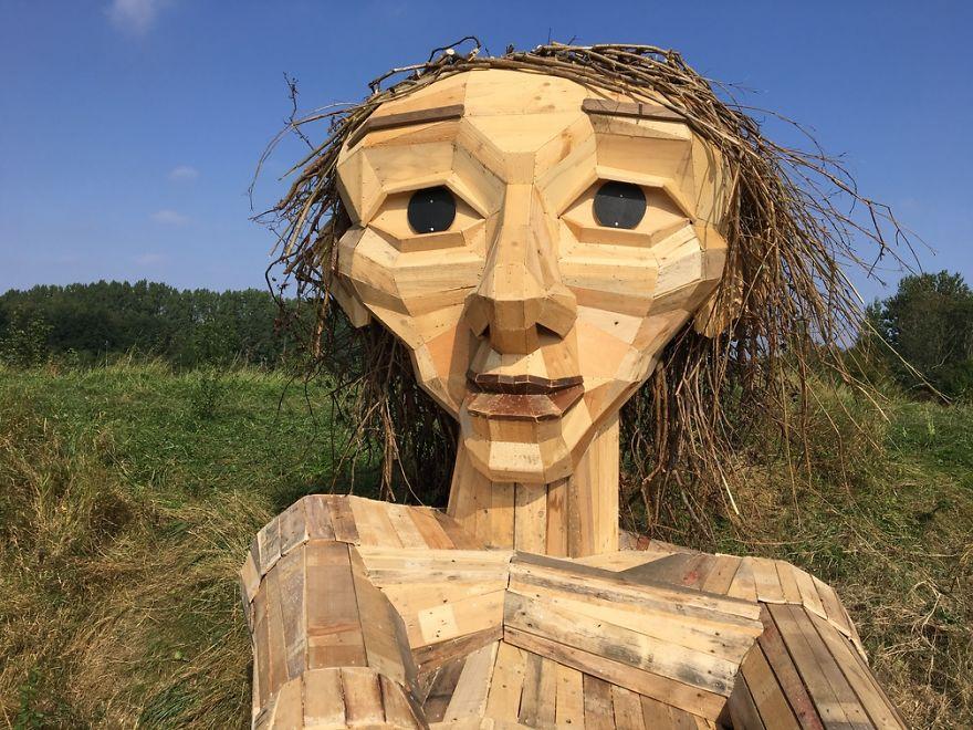I-am-creating-hidden-giants-in-the-beautiful-wilderness-of-Copenhagen-5902f78f3fbac__880