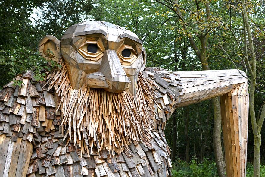I-am-creating-hidden-giants-in-the-beautiful-wilderness-of-Copenhagen-59034818528ff__880