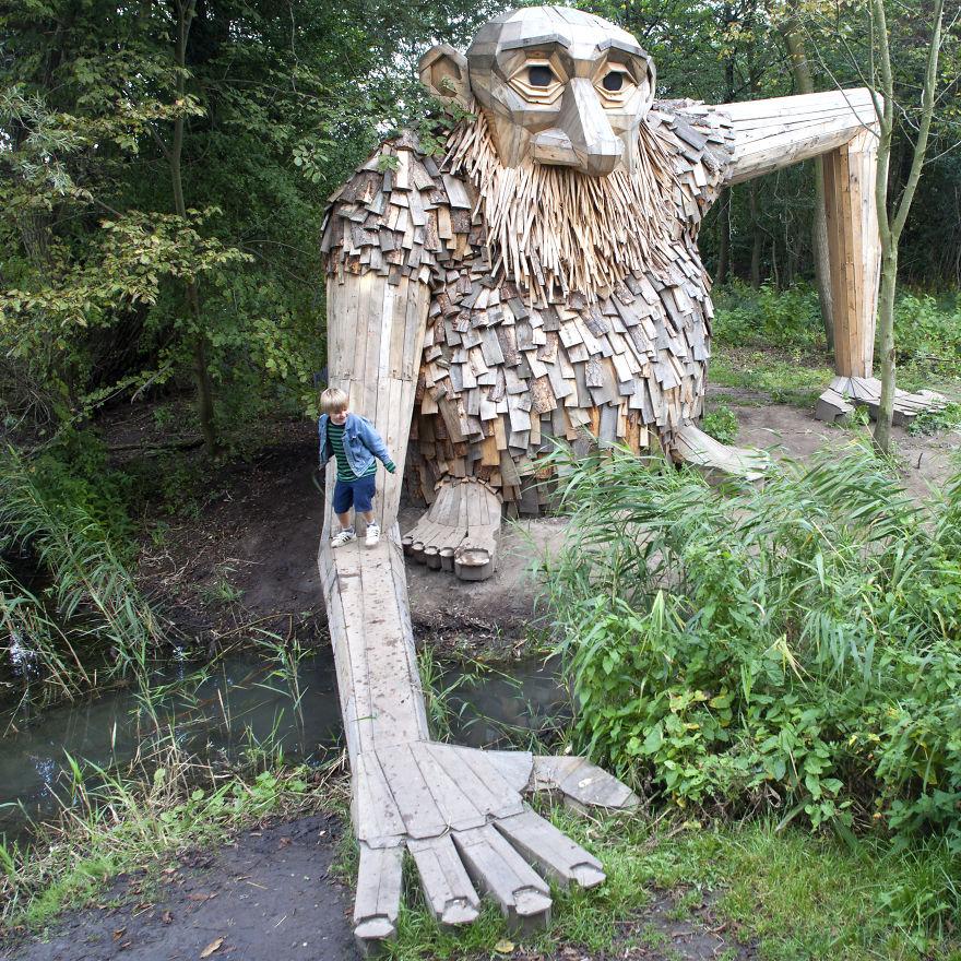 I-created-6-hidden-giants-to-showcase-the-beautiful-nature-outside-of-Copenhagen-58fdf660e8b2e__880