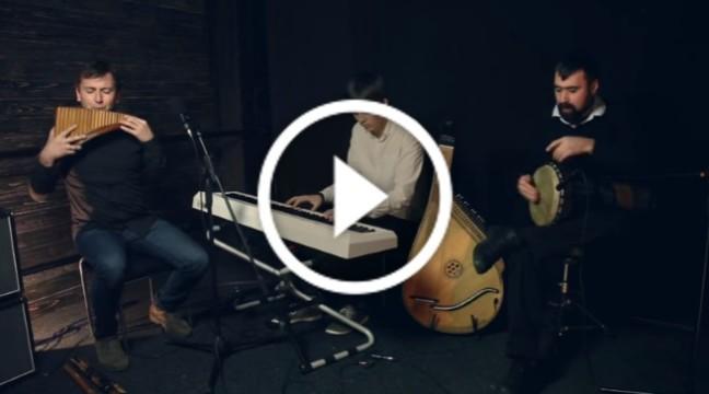 """Українці виконали всесвітньо відомий хіт Adele """"Hello"""" на етнічних інструментах"""