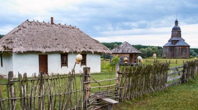 """Польський майстер допоможе українцям відновити """"Козацький хутір"""" недалеко від Чигирина"""