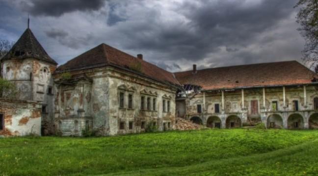 Замки Львівщини, які не показують туристам