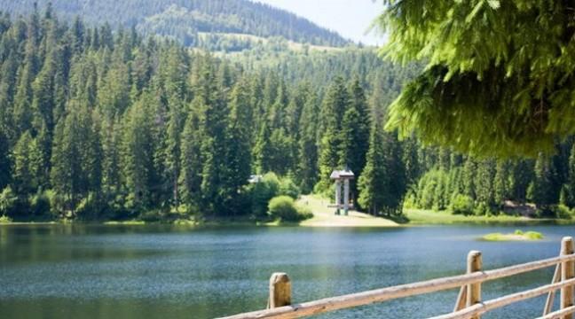 Топ-7 небанальних місць для відпочинку з наметом