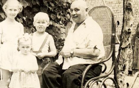 Іван Фіцак з дітьми