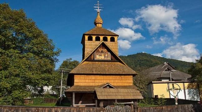 Унікальна святиня: На Закарпатті є церква, яка побудована без єдиного цвяха